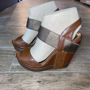 Unlisted By Kenneth Cole Hold Tight Wedge